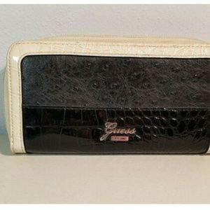 Guess Women's Wallet Clutch